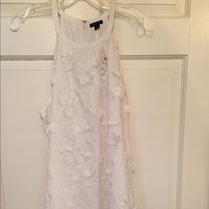 NWT Ann Taylor white dress with appliqué flowers